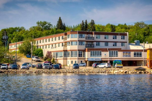 Manitou Springs Resort and Mineral Spa – The Dead Sea of Canada